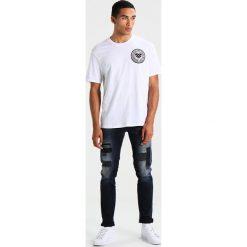 T-shirty męskie z nadrukiem: AllSaints FRATERNITY SWITCH CREW Tshirt z nadrukiem optic white