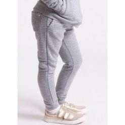 Spodnie dresowe dziewczęce: Spodnie dresowe dla małych dziewczynek JSPDD103z – szary melanż