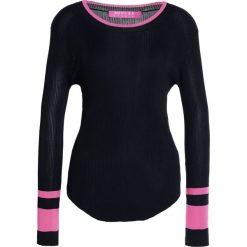 Swetry klasyczne damskie: 81hours Studio RIBBED SLIT Sweter black