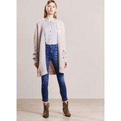 CLOSED SKINNY PUSHER Jeans Skinny Fit strong blue. Niebieskie jeansy damskie relaxed fit CLOSED, z bawełny. Za 749,00 zł.