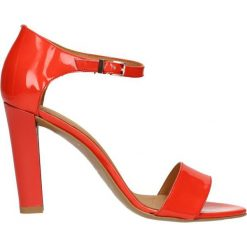 Sandały OLIVIA. Szare sandały damskie marki Gino Rossi, w paski, z materiału, małe. Za 149,90 zł.