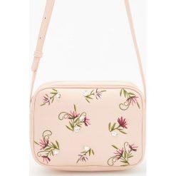 Torebki i plecaki damskie: Torebka z kwiatowym motywem - Różowy