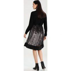 Spódniczki trapezowe: Navy London ANNA Spódnica trapezowa silver/black