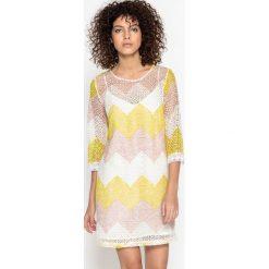 Sukienki hiszpanki: Koronkowa sukienka z nadrukiem CAMILLE