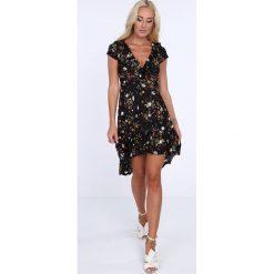 Sukienki: Sukienka w kwiaty z falbankami czarno-khaki 1773