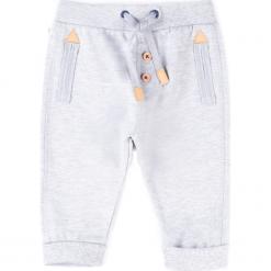 Spodnie. Szare spodnie chłopięce marki FOX, z bawełny. Za 34,90 zł.