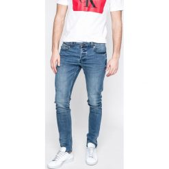 Only & Sons - Jeansy Spun. Niebieskie jeansy męskie slim marki Only & Sons, z bawełny. W wyprzedaży za 89,90 zł.