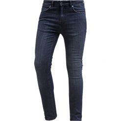 KIOMI Jeans Skinny Fit dark blue. Niebieskie rurki męskie KIOMI. Za 149,00 zł.