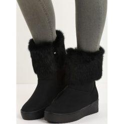 Czarne Śniegowce Getting On. Czarne buty zimowe damskie marki TOMMY HILFIGER, z materiału. Za 64,99 zł.