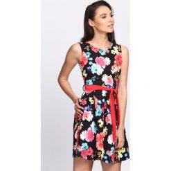 Czarna Sukienka Escapade. Czarne sukienki hiszpanki Born2be, na lato, l. Za 89,99 zł.