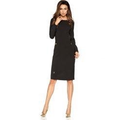 Elegancka sukienka biznesowa czarny ABRIL. Brązowe długie sukienki marki Lemoniade, z klasycznym kołnierzykiem. Za 159,90 zł.
