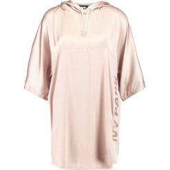 Ivy Park HOODED TEE Tshirt z nadrukiem rose. Czarne topy sportowe damskie marki Strategia. Za 189,00 zł.