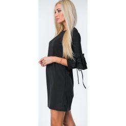 Sukienki: Sukienka z falbanami na rękawach czarna 1685