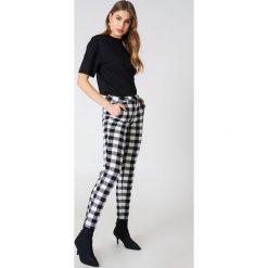 Bluzy damskie: NA-KD Basic Bluza oversize z krótkim rękawem - Black