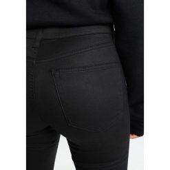Boyfriendy damskie: Topshop Petite COATED JAMIE Jeans Skinny Fit black
