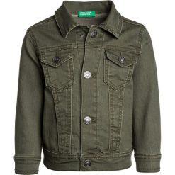 Benetton JACKET Kurtka jeansowa khaki. Brązowe kurtki męskie jeansowe marki Reserved, l, z kapturem. Za 149,00 zł.