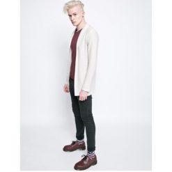 Review - Jeansy. Niebieskie jeansy męskie marki House, z jeansu. W wyprzedaży za 119,90 zł.