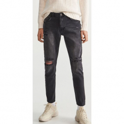 Przecierane jeansy - Szary. Szare jeansy męskie Reserved. Za 149,99 zł.