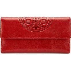 Portfel 04-1-331-31. Czerwone portfele damskie marki Pakamera, ze skóry. Za 419,00 zł.