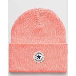 Converse - Czapka. Pomarańczowe czapki zimowe damskie marki Converse, na zimę, z dzianiny. W wyprzedaży za 69,90 zł.