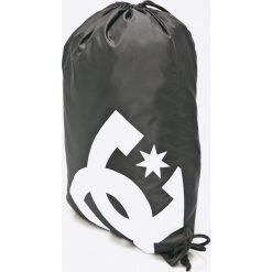 DC - Plecak. Czarne plecaki męskie marki DC, z poliesteru. W wyprzedaży za 39,90 zł.