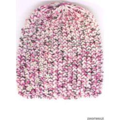 Czapki zimowe damskie: Czapka różowa z kwiatkami