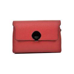 Torebka w kolorze czerwonym - (S)23,5 x (W)16,5 x (G)8,5 cm. Czerwone torebki klasyczne damskie Bestsellers bags, w paski, z materiału. W wyprzedaży za 239,95 zł.