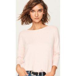 Sweter z aplikacjami - Różowy. Czerwone swetry klasyczne damskie Reserved, l. Za 59,99 zł.