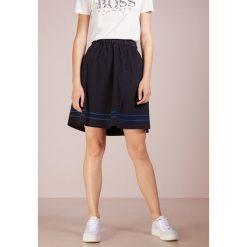BOSS CASUAL BAVIKARA Spódnica trapezowa open blue. Niebieskie spódniczki trapezowe BOSS Casual, z bawełny, casualowe. Za 539,00 zł.