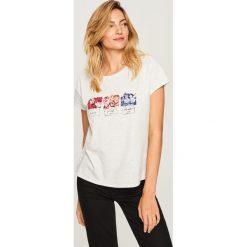 T-shirt z aplikacją - Jasny szar. Szare t-shirty damskie Reserved, l, z aplikacjami. Za 29,99 zł.