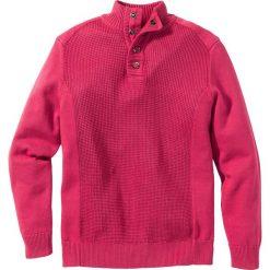 Sweter Regular Fit bonprix czerwony. Czerwone golfy męskie marki bonprix, m, z dzianiny, ze stójką. Za 44,99 zł.