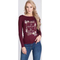 Bluzki damskie: Bordowa bluzka z nadrukiem QUIOSQUE