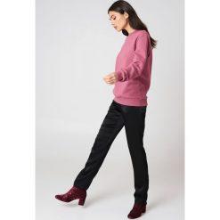 Bluzy damskie: NA-KD Basic Bluza basic oversize - Pink