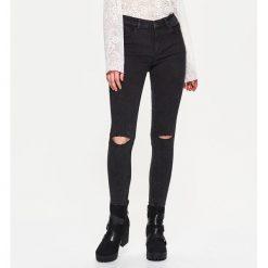 Spodnie damskie: Jeansy high waist - Czarny