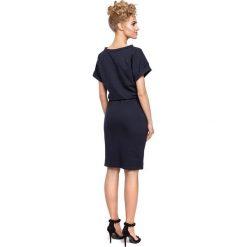 ELISE Sukienka midi z wiązaniem w pasie- granatowa. Szare sukienki dresowe marki bonprix, melanż, z kapturem, z długim rękawem, maxi. Za 119,00 zł.