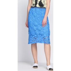 Niebieska Spódnica I See Everything. Niebieskie spódniczki Born2be, na lato, m, midi. Za 79,99 zł.
