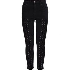Topshop JAMIE Jeansy Slim Fit black. Czarne jeansy damskie marki Topshop, z bawełny. W wyprzedaży za 173,40 zł.