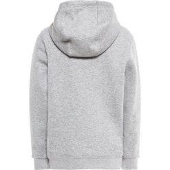 Nike Performance Bluza z kapturem dk grey heather/white. Szare bluzy chłopięce Nike Performance, z bawełny, z kapturem. Za 139,00 zł.