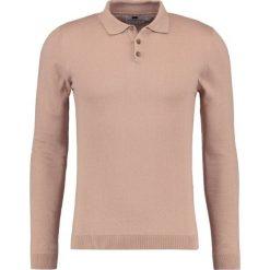 Swetry klasyczne męskie: Topman MUSCLE FIT Sweter light brown