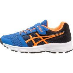 ASICS PATRIOT 9 Obuwie do biegania treningowe victoria blue/shocking orange. Niebieskie buty sportowe chłopięce Asics, z materiału, do biegania. Za 199,00 zł.
