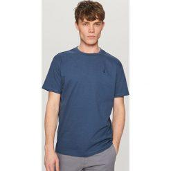 T-shirty męskie: T-shirt z kontrastową kotwicą – Niebieski