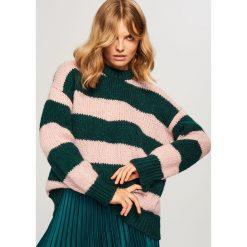Sweter w paski - Khaki. Brązowe swetry klasyczne damskie marki Reserved, l. Za 99,99 zł.