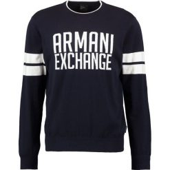 Armani Exchange Sweter dark blue. Czarne kardigany męskie marki Armani Exchange, l, z materiału, z kapturem. W wyprzedaży za 383,20 zł.