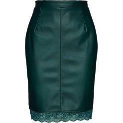 Spódnica ze sztucznej skóry z koronką bonprix głęboki. Zielone spódniczki skórzane marki bonprix, w koronkowe wzory. Za 119,99 zł.