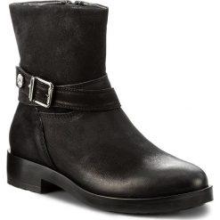 Botki TAMARIS - 1-25788-39 Black 001. Czarne botki damskie skórzane marki Tamaris. W wyprzedaży za 219,00 zł.