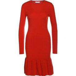 2nd Day JESSY Sukienka dzianinowa tango. Czerwone sukienki dzianinowe marki 2nd Day, s. W wyprzedaży za 524,30 zł.