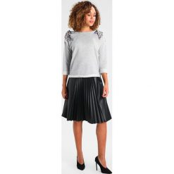 Swetry klasyczne damskie: Aaiko FERA Sweter light grey