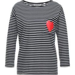 CHINTI & PARKER HEART POCKET TEE Bluzka z długim rękawem navy. Niebieskie bluzki longsleeves marki CHINTI & PARKER, s, z bawełny. Za 589,00 zł.