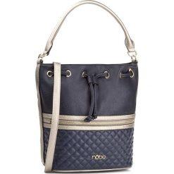 Torebka NOBO - NBAG-D2730-C013 Granatowy. Niebieskie torebki worki marki Nobo, w geometryczne wzory, ze skóry ekologicznej. W wyprzedaży za 139,00 zł.