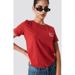 NA-KD T-shirt Good Vibes - Red. Czerwone t-shirty damskie NA-KD, z materiału, z okrągłym kołnierzem. Za 72,95 zł.